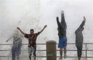 Fools Challenge Waves in Mazatlan-Click for AP Gallery
