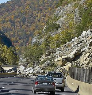 rockslide1_t300