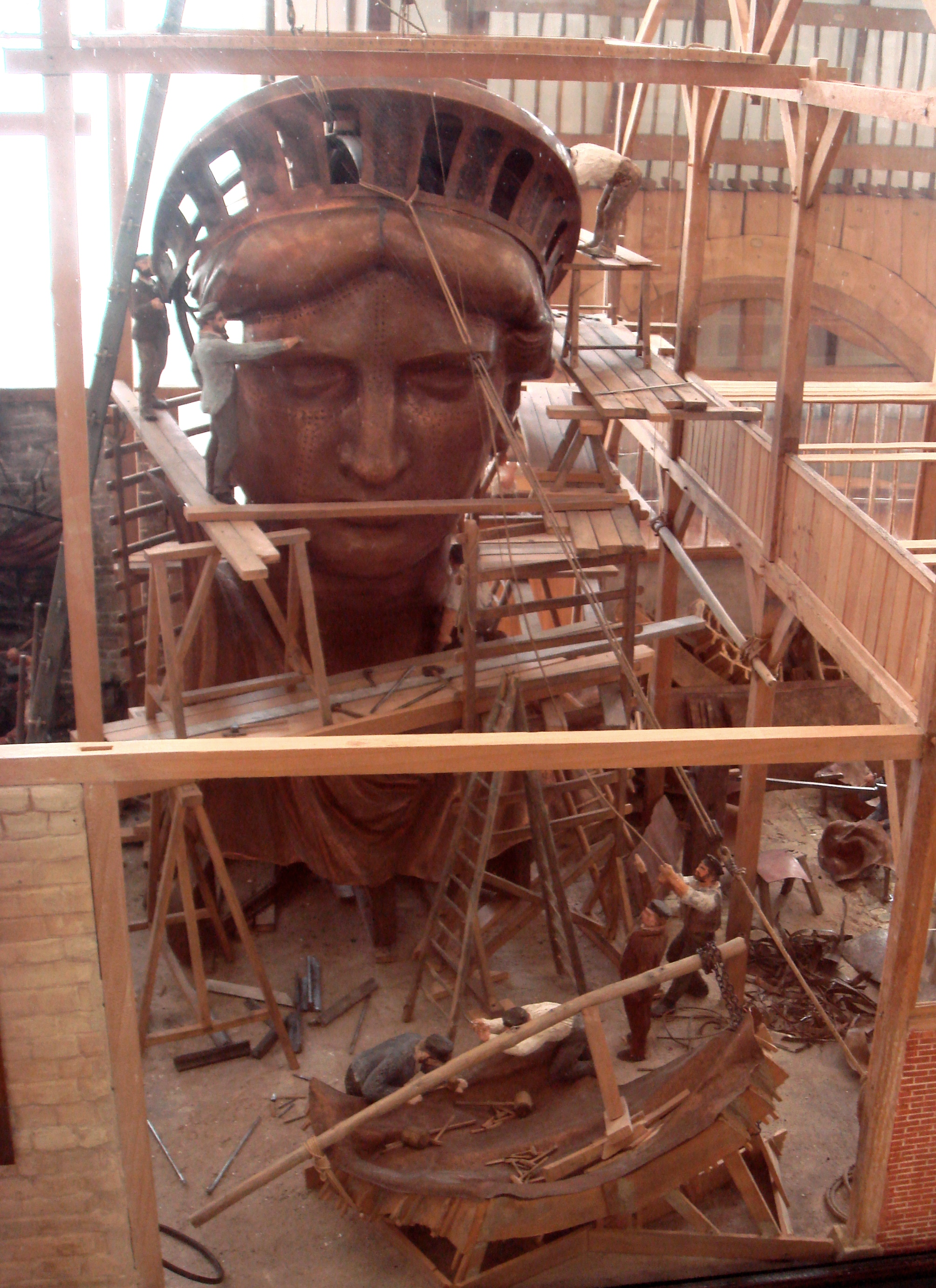 statue of liberty arrived in pieces before taking the. Black Bedroom Furniture Sets. Home Design Ideas